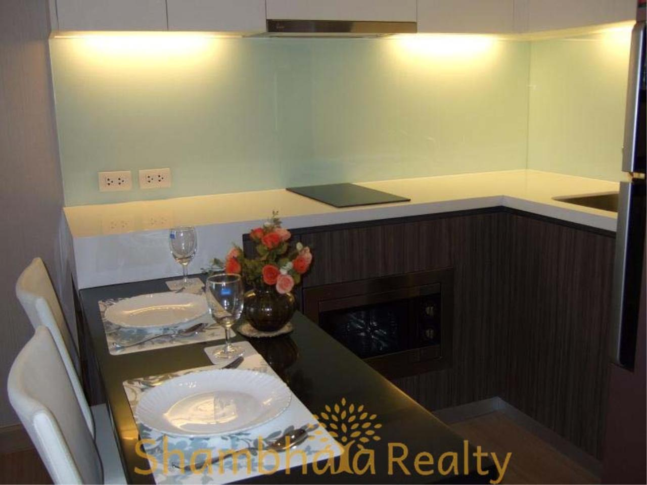 Shambhala Realty Agency's Urbano Absolute Sathon Taksin Condominium for Rent in Krung Thonburi 6