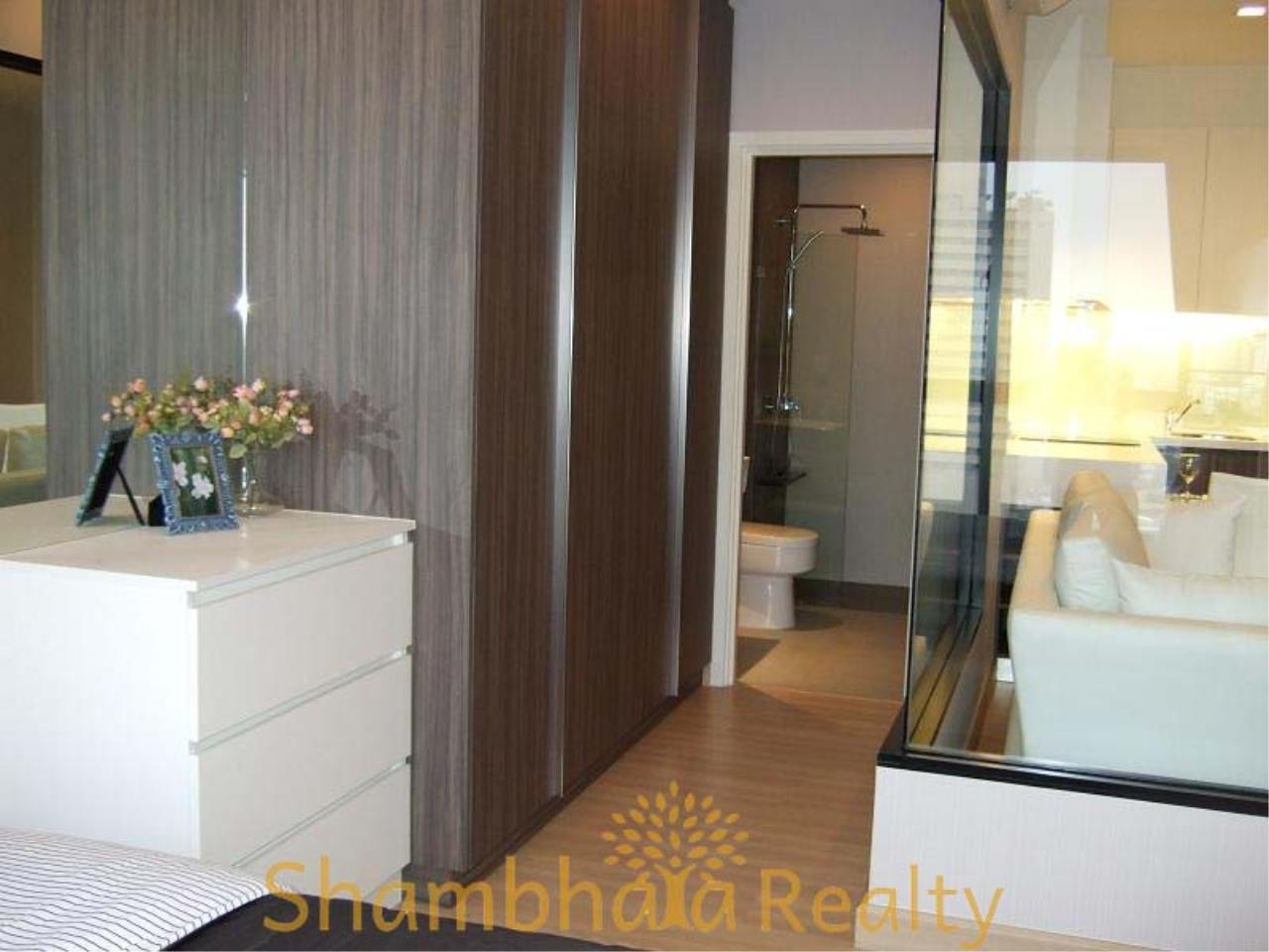 Shambhala Realty Agency's Urbano Absolute Sathon Taksin Condominium for Rent in Krung Thonburi 2