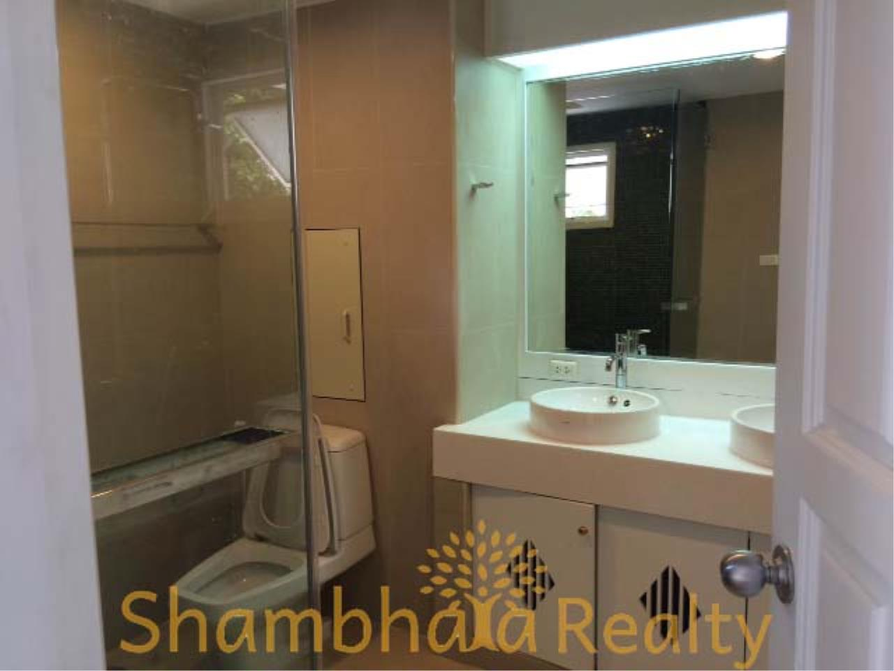 Shambhala Realty Agency's Sanguan Sap Townhouse Condominium for Rent in Narathiwas 4 7