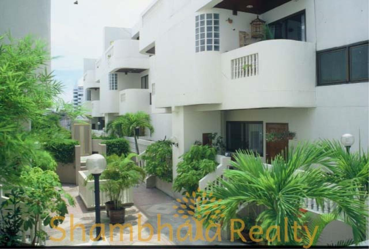 Shambhala Realty Agency's Sanguan Sap Townhouse Condominium for Rent in Narathiwas 4 6