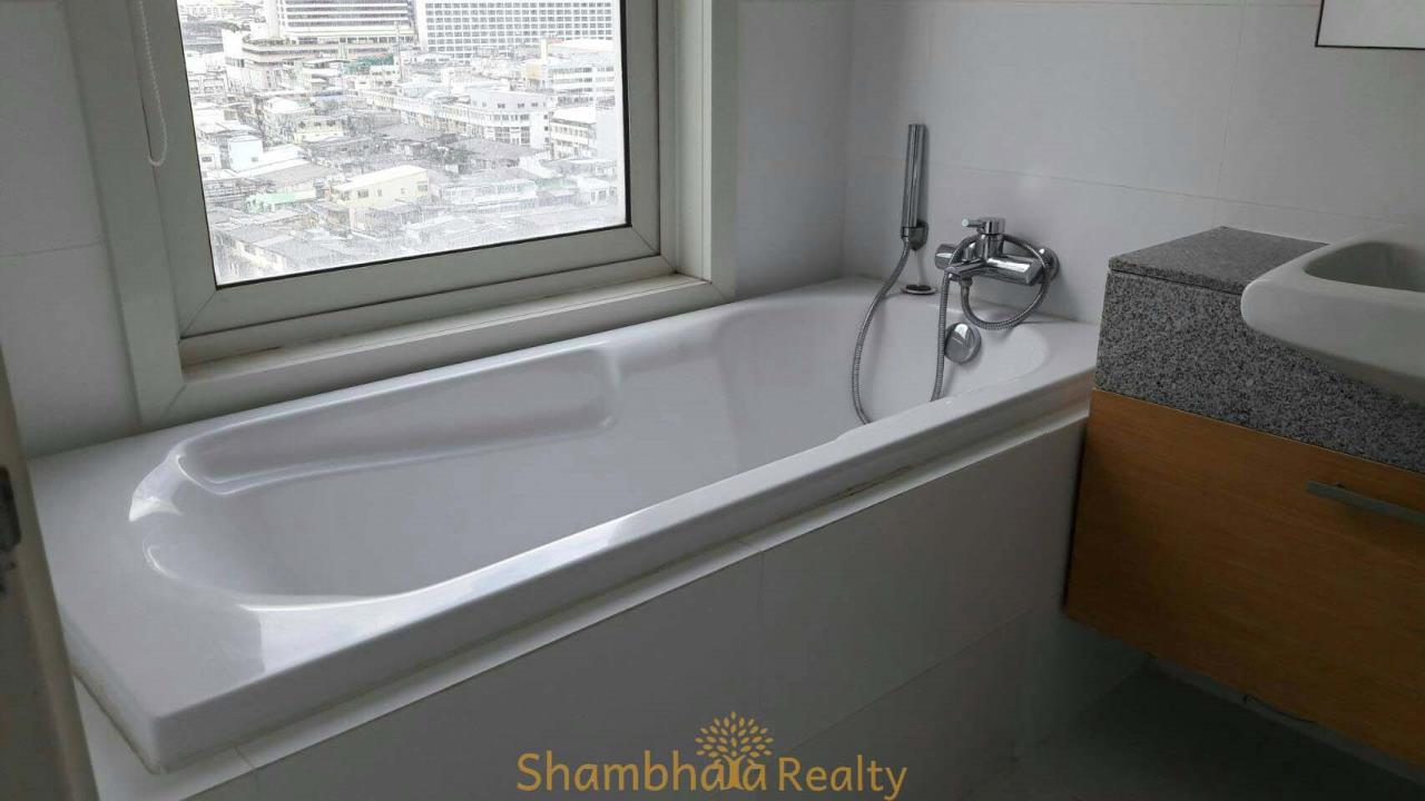 Shambhala Realty Agency's Manhattan Chidlom Condominium for Rent in ChidLom 9