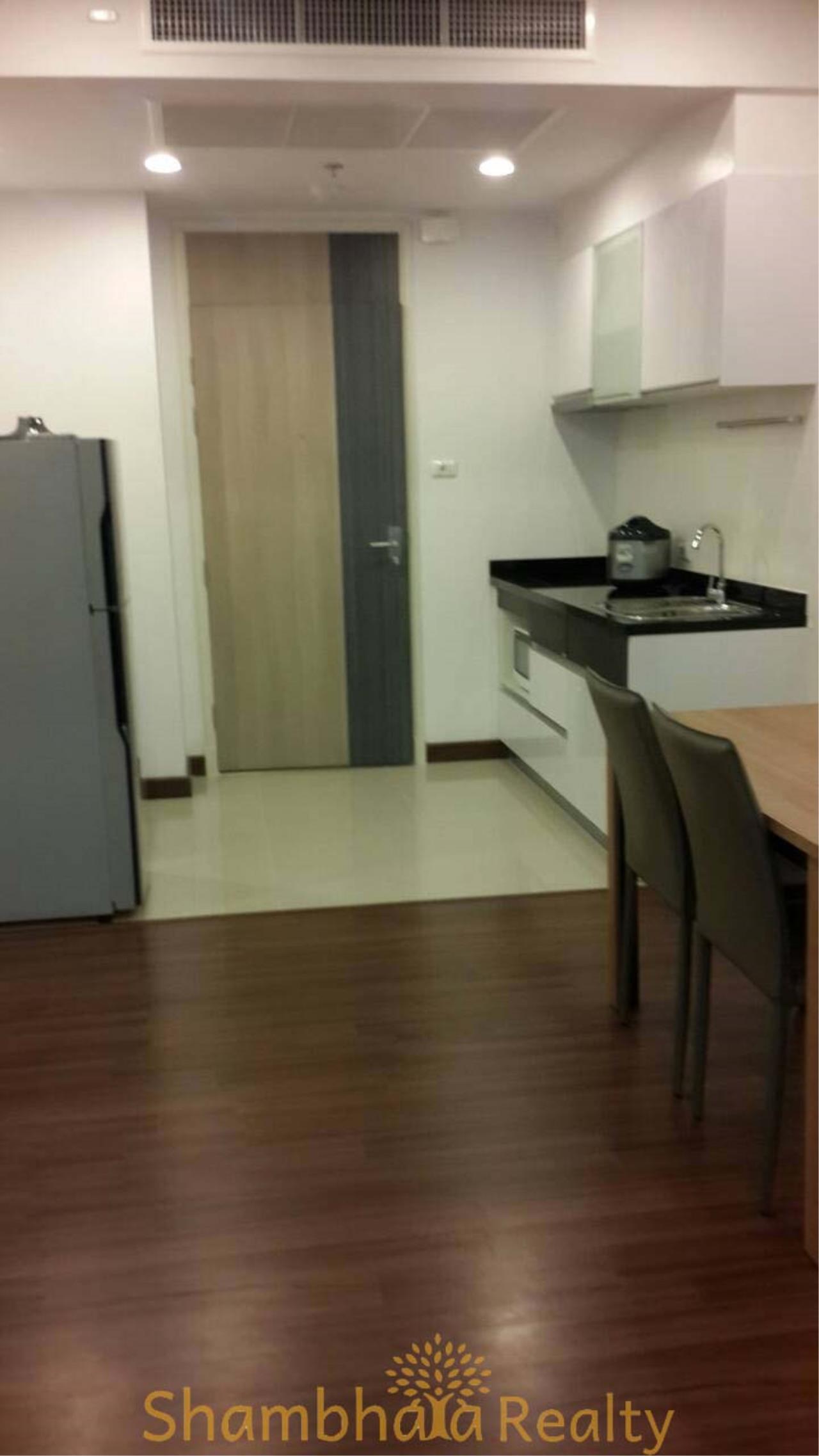Shambhala Realty Agency's Supalai Lite Sathorn - Charoenrat Condominium for Rent in Sathorn - Charoen Rat 4