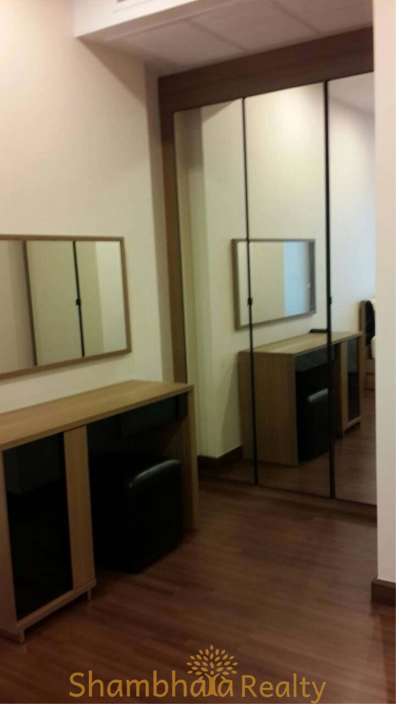 Shambhala Realty Agency's Supalai Lite Sathorn - Charoenrat Condominium for Rent in Sathorn - Charoen Rat 3