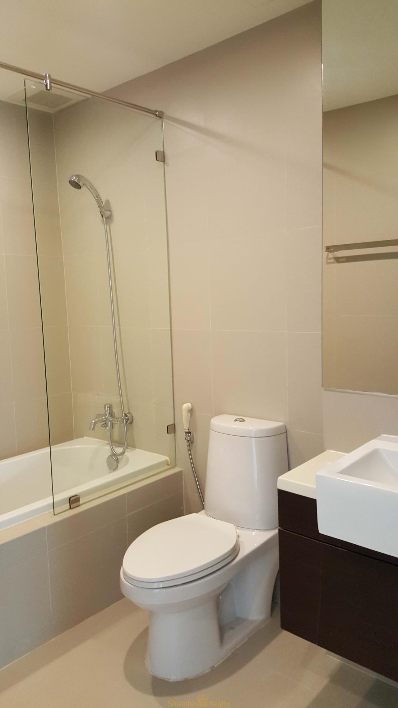 Shambhala Realty Agency's Noble Remix Condominium for Rent in Sukhumvit 36 4