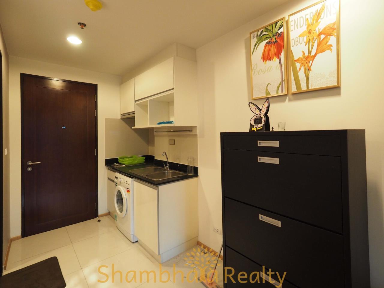 Shambhala Realty Agency's Abstract Condominium for Rent in Phaholyothin 11