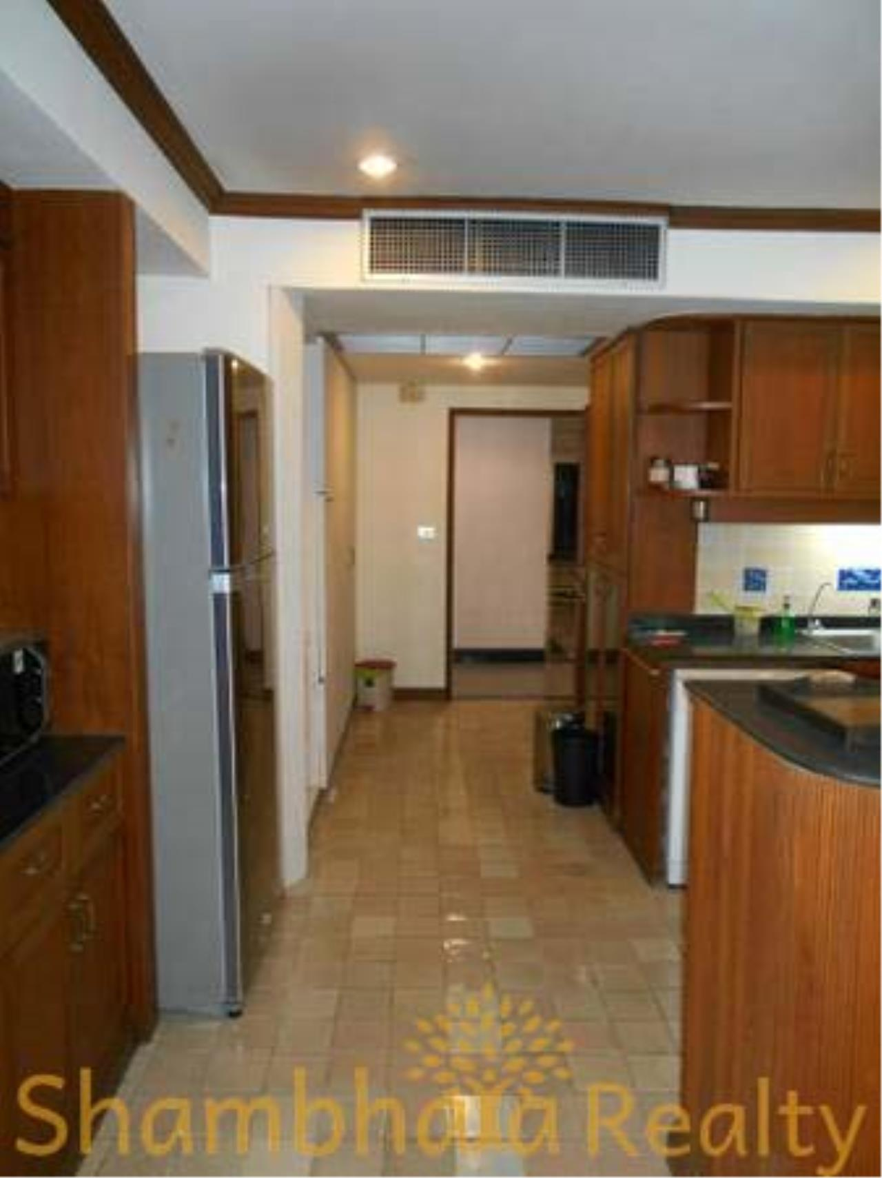 Shambhala Realty Agency's The Grand Condominium for Rent in Ratchadamri 3
