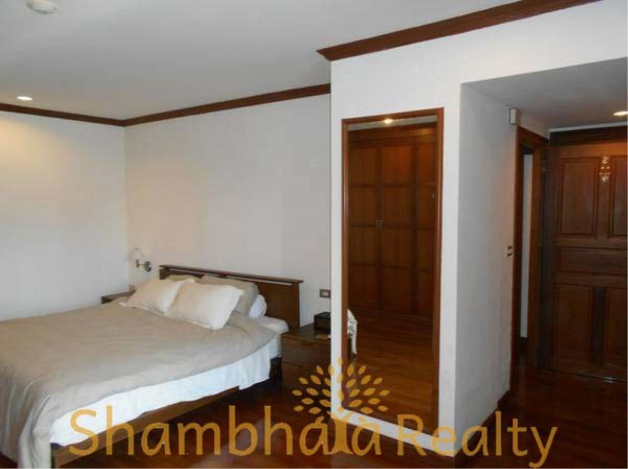 Shambhala Realty Agency's The Grand Condominium for Rent in Ratchadamri 18