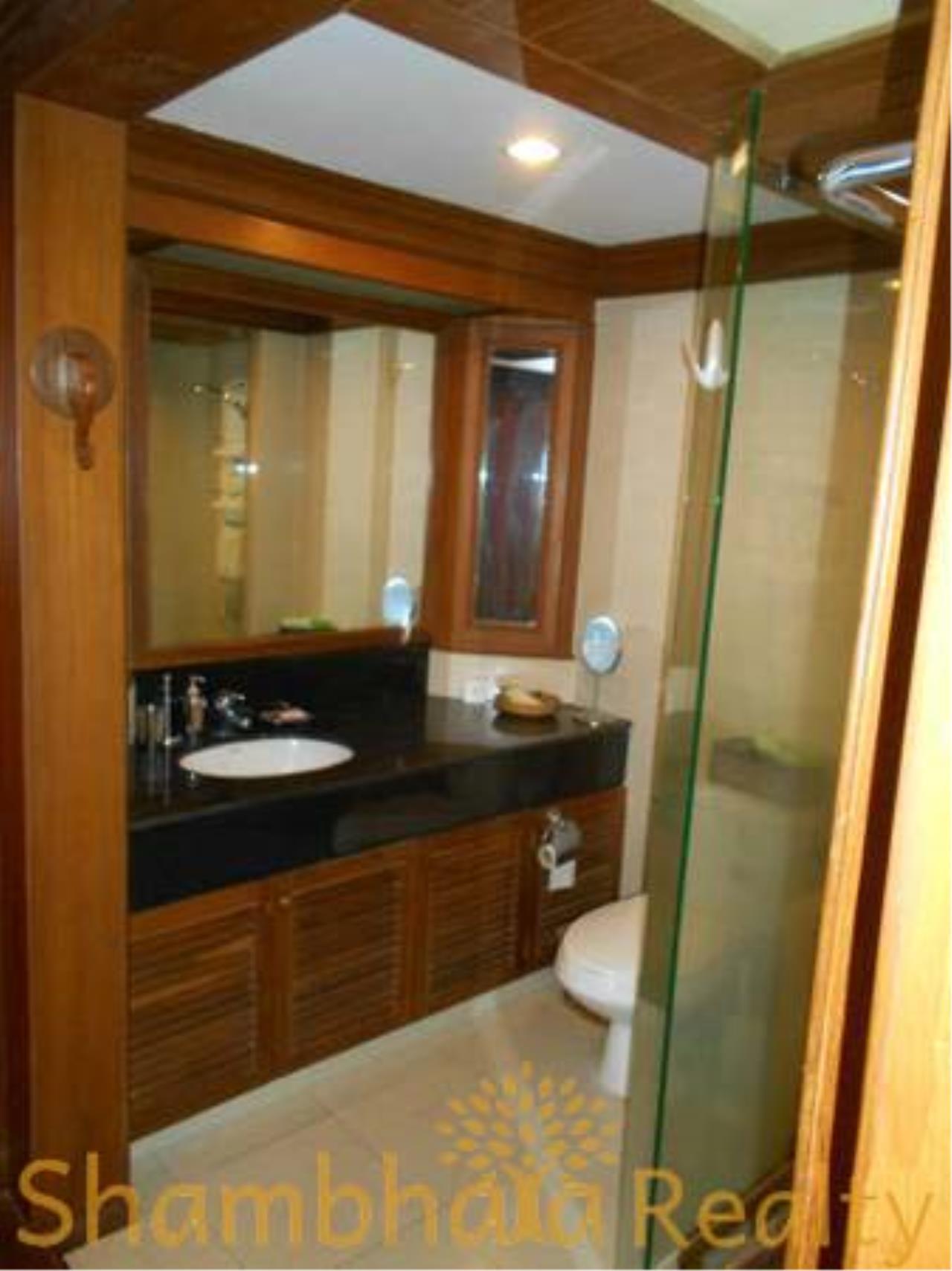 Shambhala Realty Agency's The Grand Condominium for Rent in Ratchadamri 8