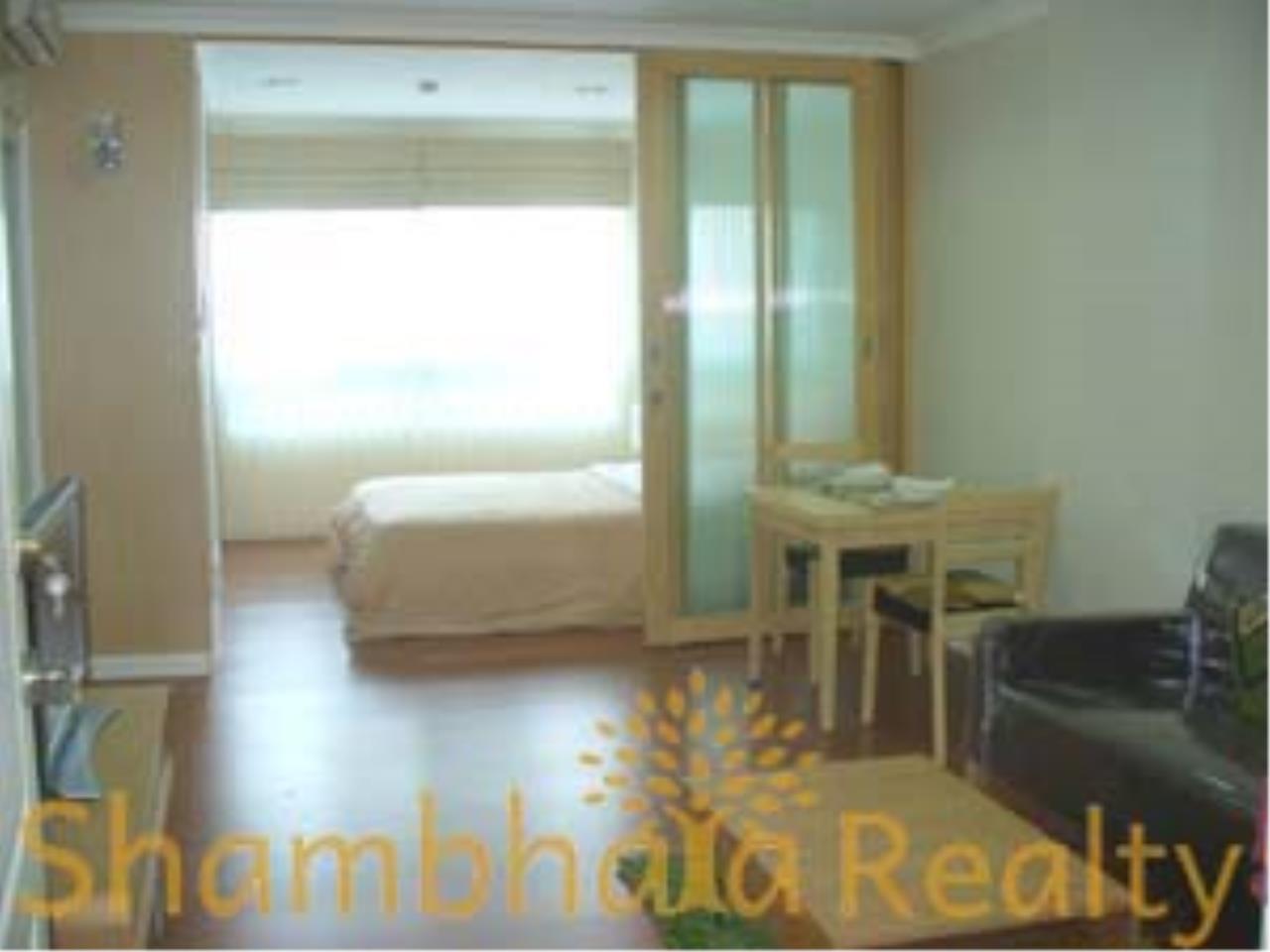 Shambhala Realty Agency's Lumpini Suite Sukhumvit 41 Condominium for Rent 1