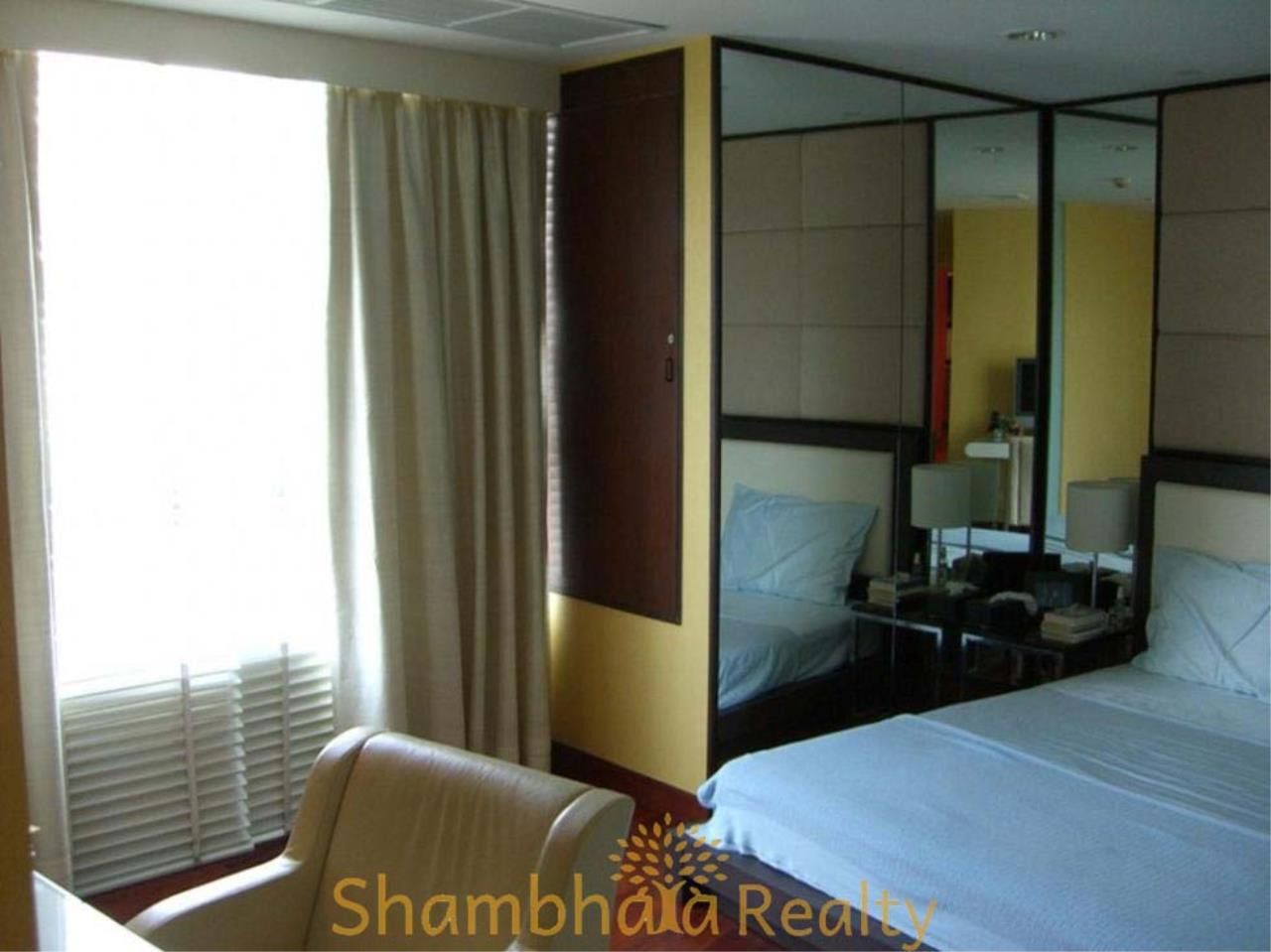 Shambhala Realty Agency's Urbana Langsuan Condominium for Rent 3