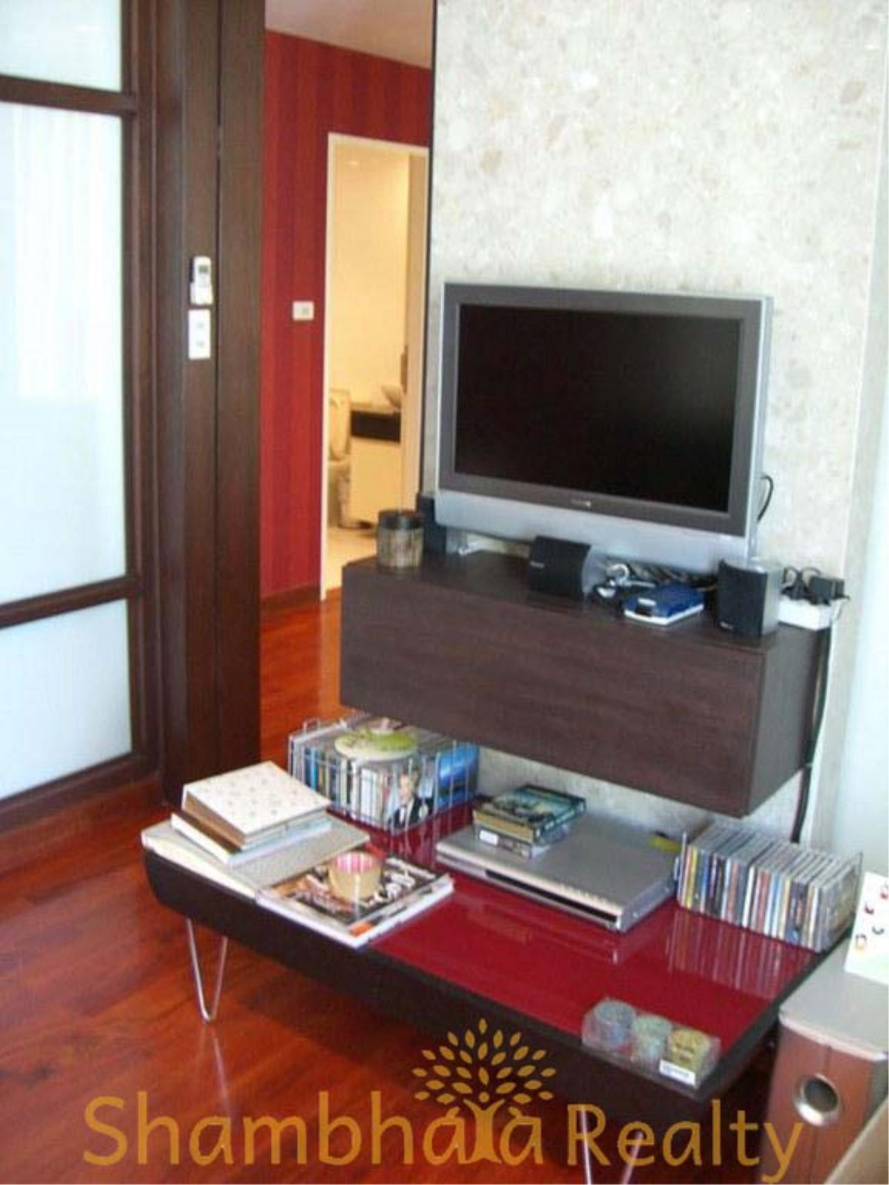 Shambhala Realty Agency's Urbana Langsuan Condominium for Rent 5