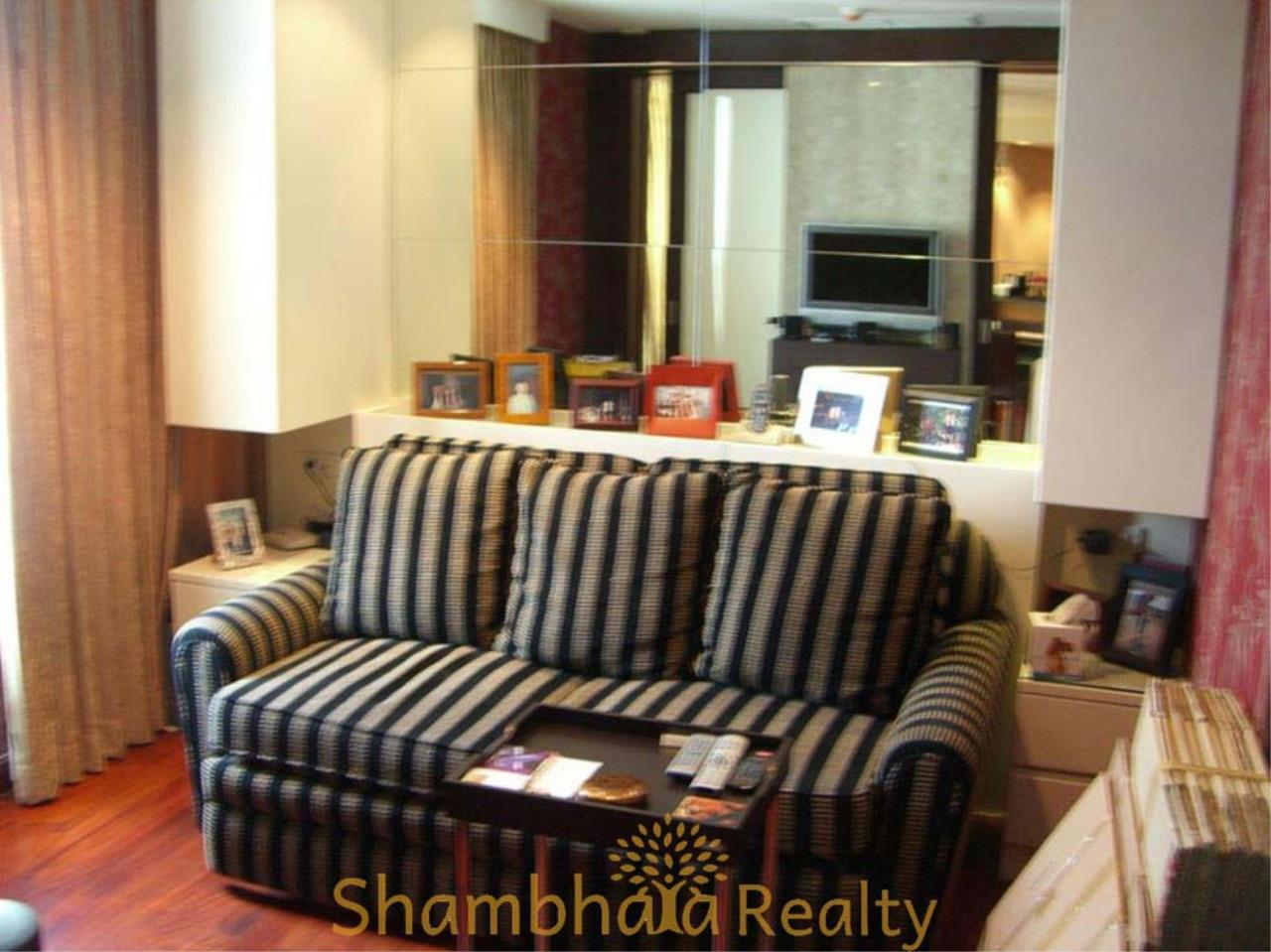 Shambhala Realty Agency's Urbana Langsuan Condominium for Rent 7
