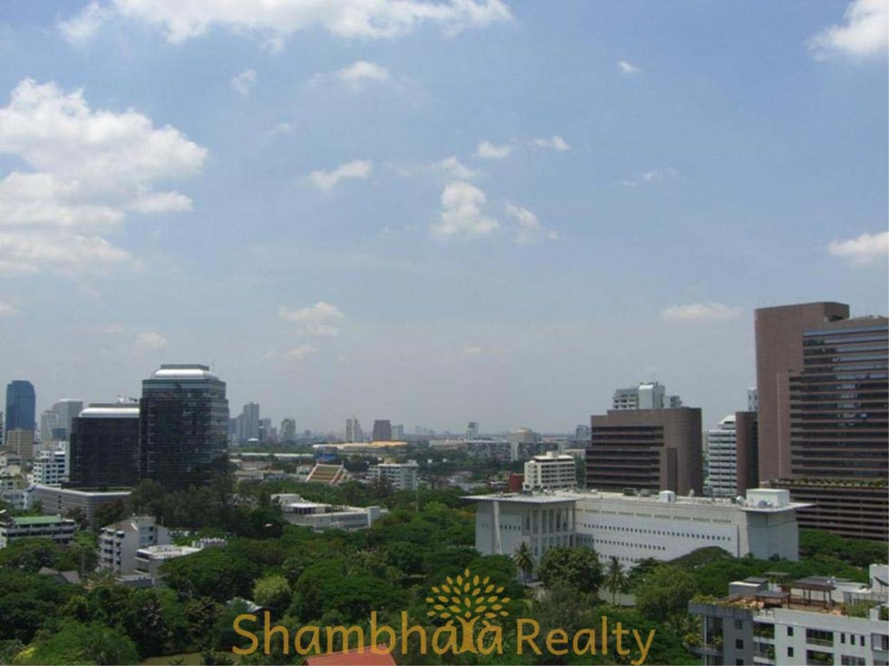 Shambhala Realty Agency's Urbana Langsuan Condominium for Rent 9