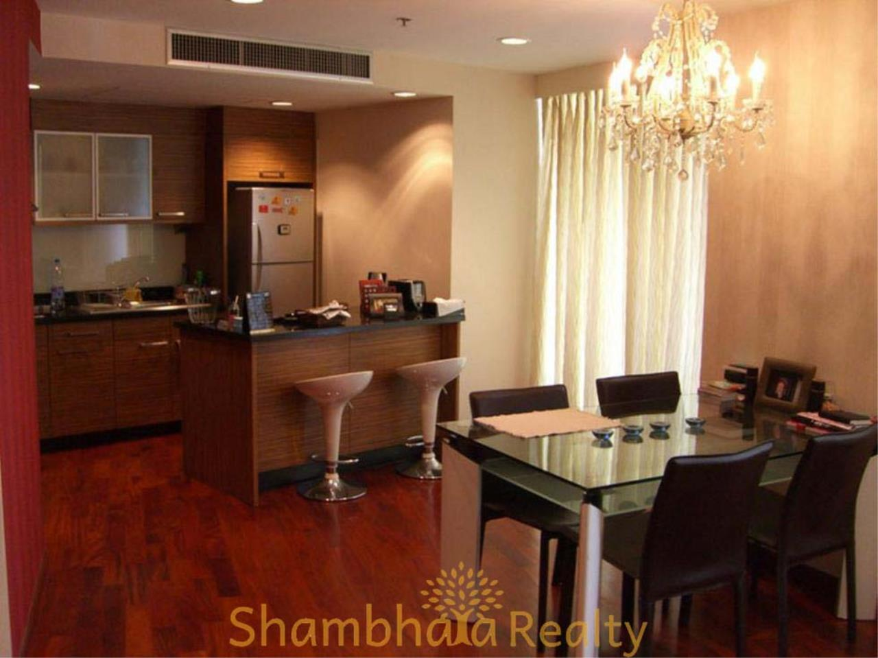 Shambhala Realty Agency's Urbana Langsuan Condominium for Rent 10