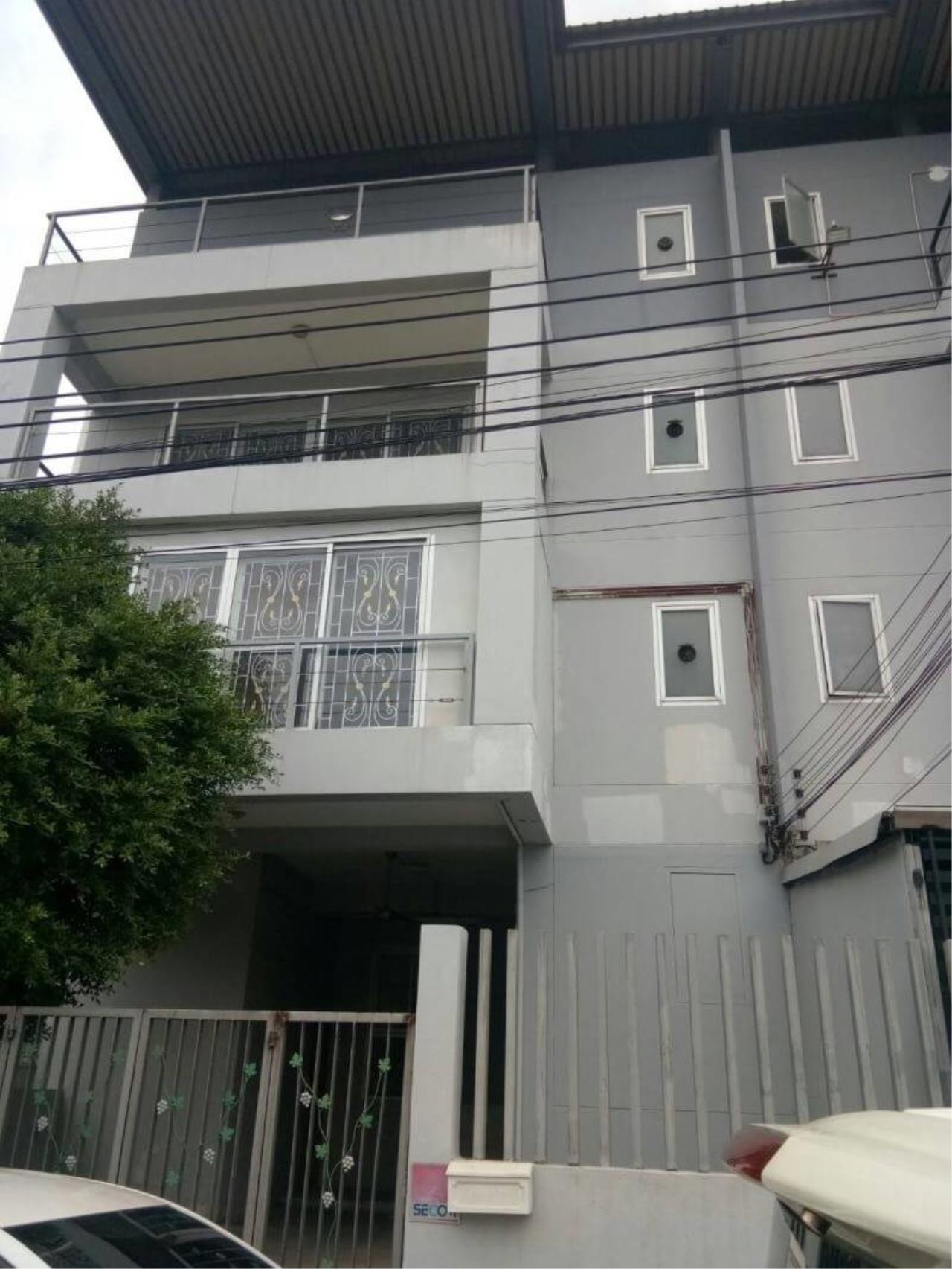 Agent - Phapayawarin Agency's Townhome 4 storeys 1