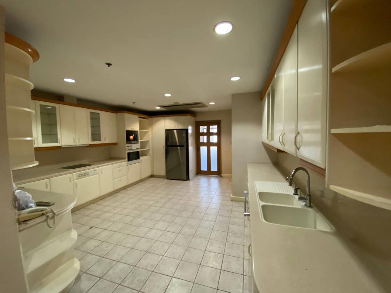 Agent - Phapayawarin Agency's For Rent/Sale ! Kallista Mansion  , BTS NANA, 630 sq.m., 5beds 6baths 4
