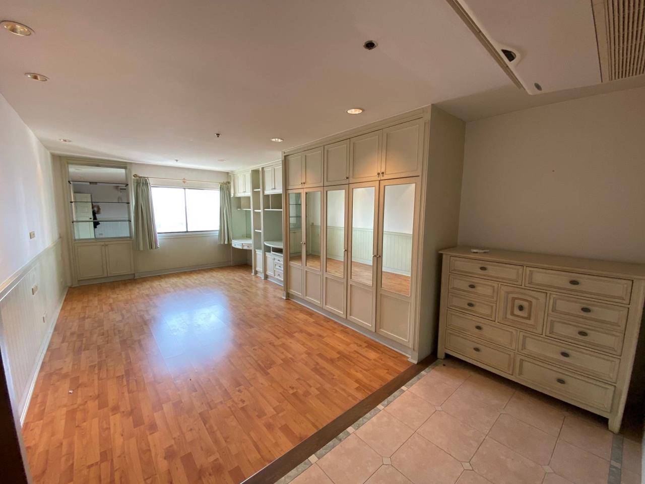 Agent - Phapayawarin Agency's For Rent/Sale ! Kallista Mansion  , BTS NANA, 630 sq.m., 5beds 6baths 11