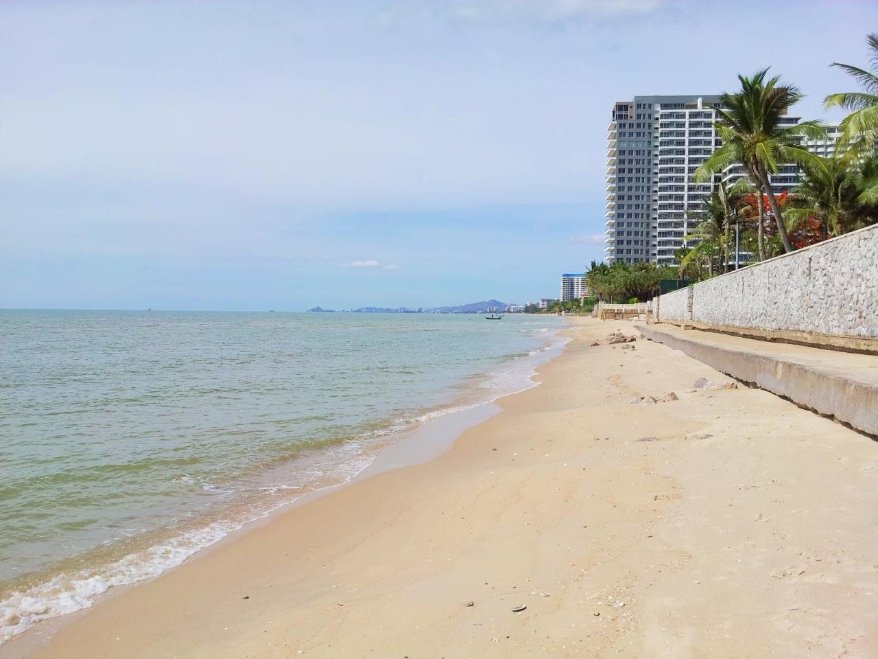 Agent - Sirikarn Katesuwan Agency's Luxury Beachfront Apartment 79 SQM. in Hua Hin for SALE only 6M 16