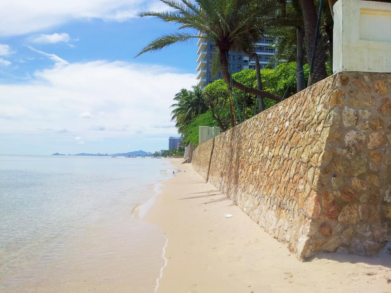 Agent - Sirikarn Katesuwan Agency's Luxury Beachfront Apartment 79 SQM. in Hua Hin for SALE only 6M 17