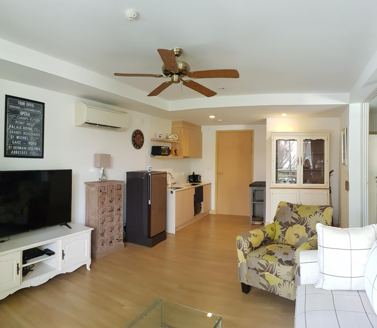 Agent - Sirikarn Katesuwan Agency's Luxury Beachfront Apartment 79 SQM. in Hua Hin for SALE only 6M 3