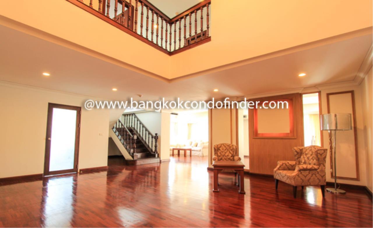 Bangkok Condo Finder Agency's Nagara Mansion Condominium for Rent 1
