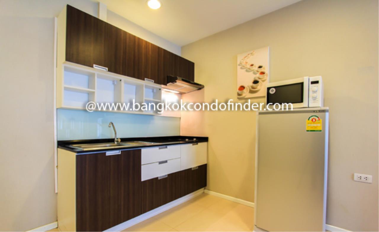 Bangkok Condo Finder Agency's Tropical Langsuan Condominium for Rent 3
