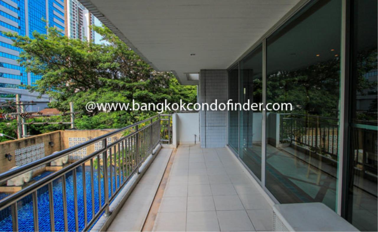 Bangkok Condo Finder Agency's Baan Thirapa Condominium for Rent 1