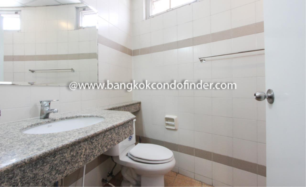Bangkok Condo Finder Agency's Sriwattana Apartment Condominium for Rent 3
