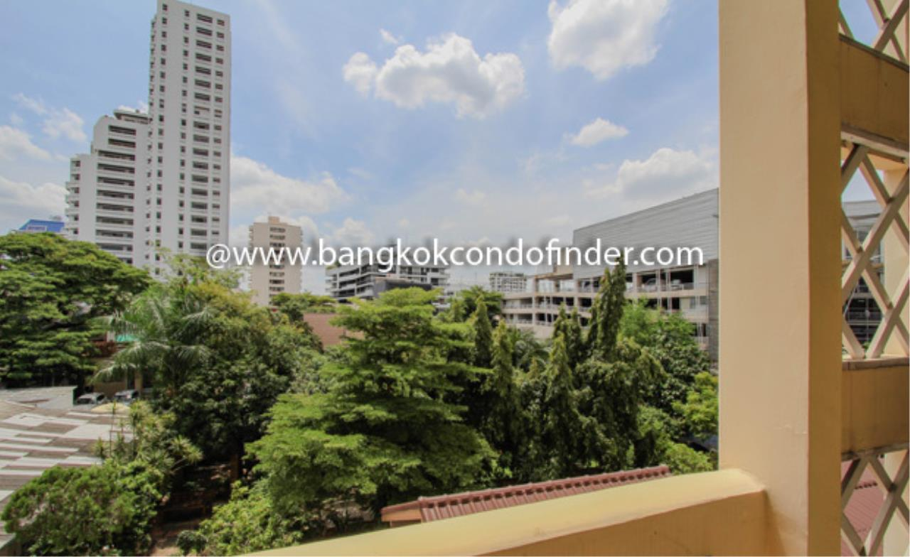 Bangkok Condo Finder Agency's The Pentacle Condominium for Rent 2