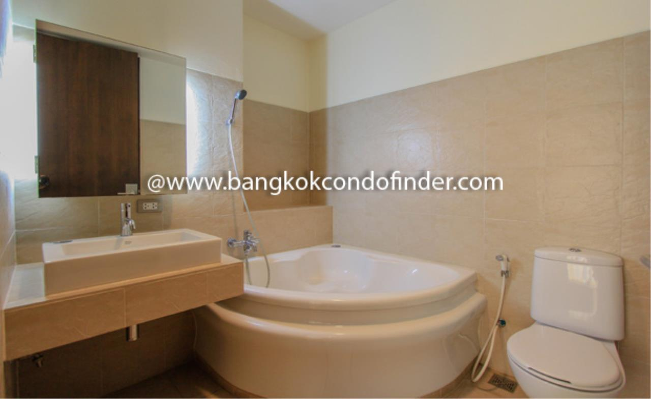 Bangkok Condo Finder Agency's The Pentacle Condominium for Rent 3