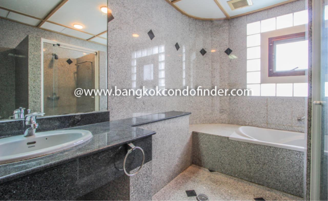 Bangkok Condo Finder Agency's Charoenjai place Condominium for Rent 4