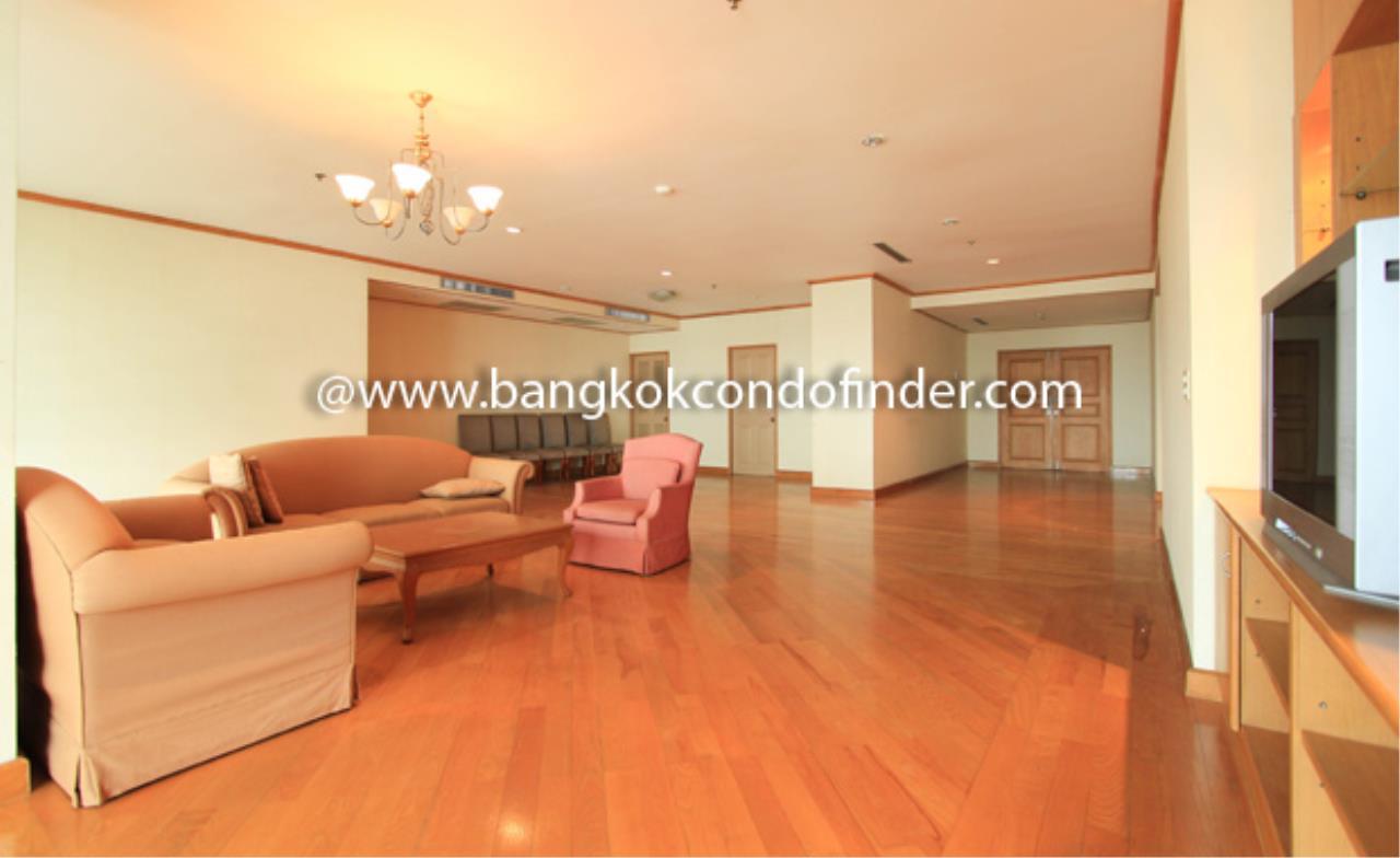 Bangkok Condo Finder Agency's Charoenjai place Condominium for Rent 1