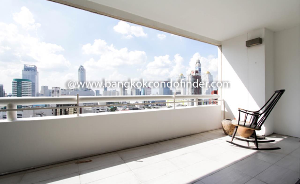 Bangkok Condo Finder Agency's Somkid Garden Condominium for Rent 2