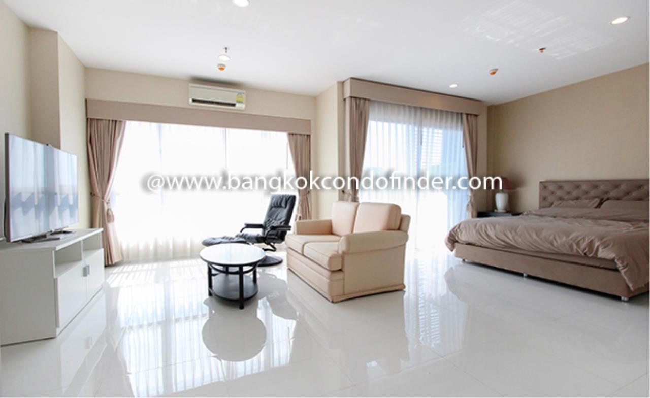 Bangkok Condo Finder Agency's Hive Taksin Condominium for Rent 4