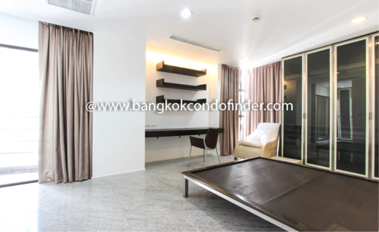 Bangkok Condo Finder Agency's Baan Somthavil Condo Condominium for Rent 5