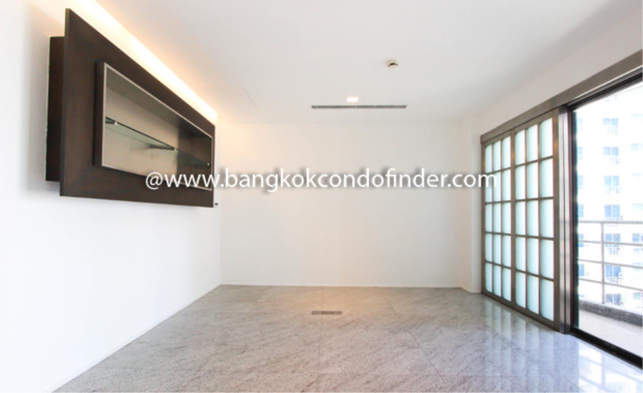 Bangkok Condo Finder Agency's Baan Somthavil Condo Condominium for Rent 4