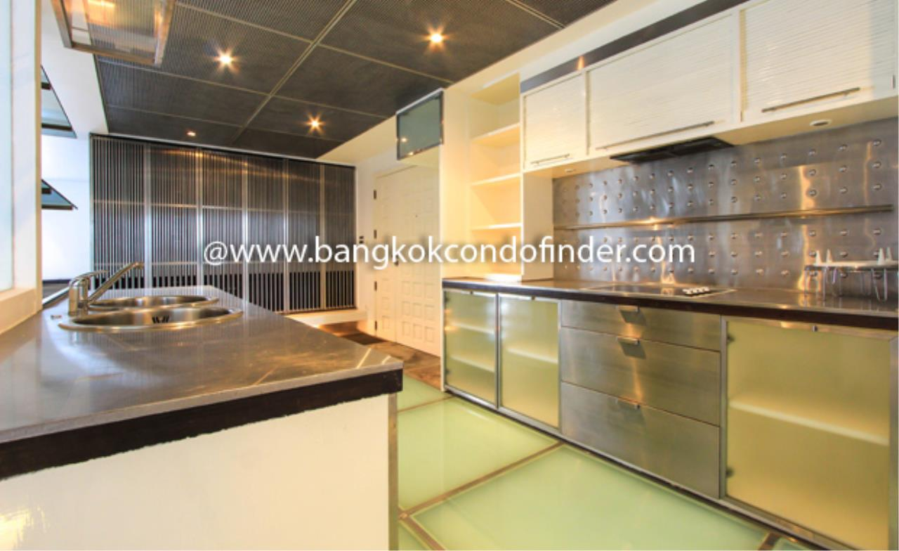 Bangkok Condo Finder Agency's Baan Somthavil Condo Condominium for Rent 8