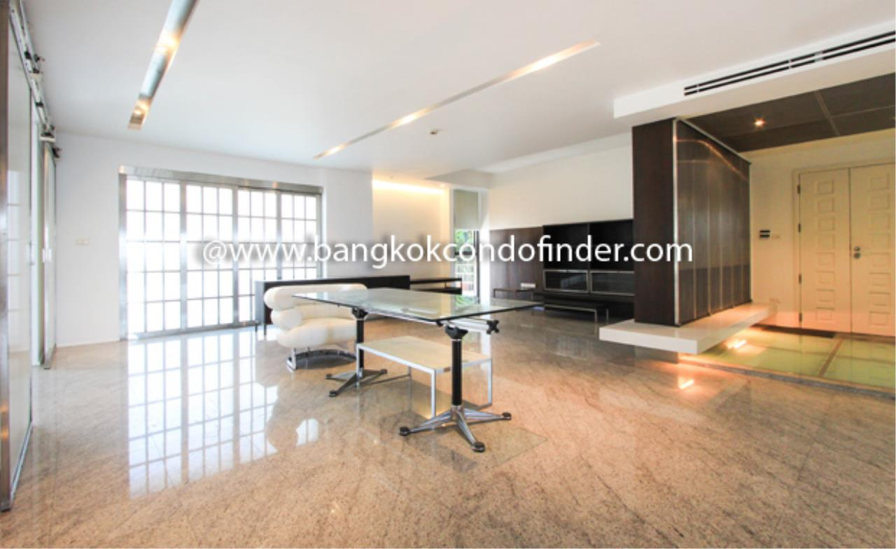 Bangkok Condo Finder Agency's Baan Somthavil Condo Condominium for Rent 1