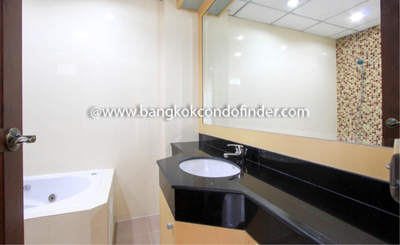 Bangkok Condo Finder Agency's UN Residence Condominium for Rent 2