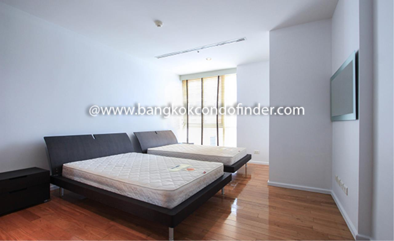 Bangkok Condo Finder Agency's The Legend Saladaeng Condominium for Rent 9