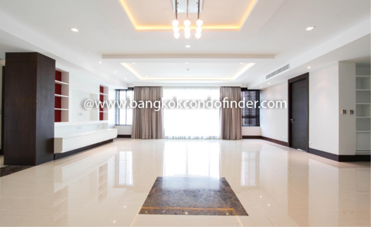 Bangkok Condo Finder Agency's Ideal 24 Condo Condominium for Rent 1