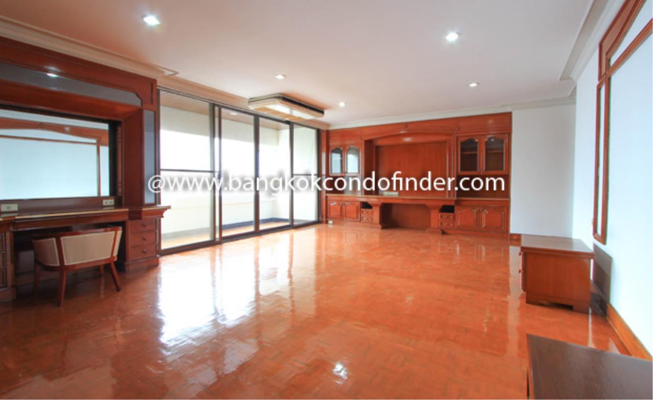 Bangkok Condo Finder Agency's Shiva Tower Condominium for Rent 1