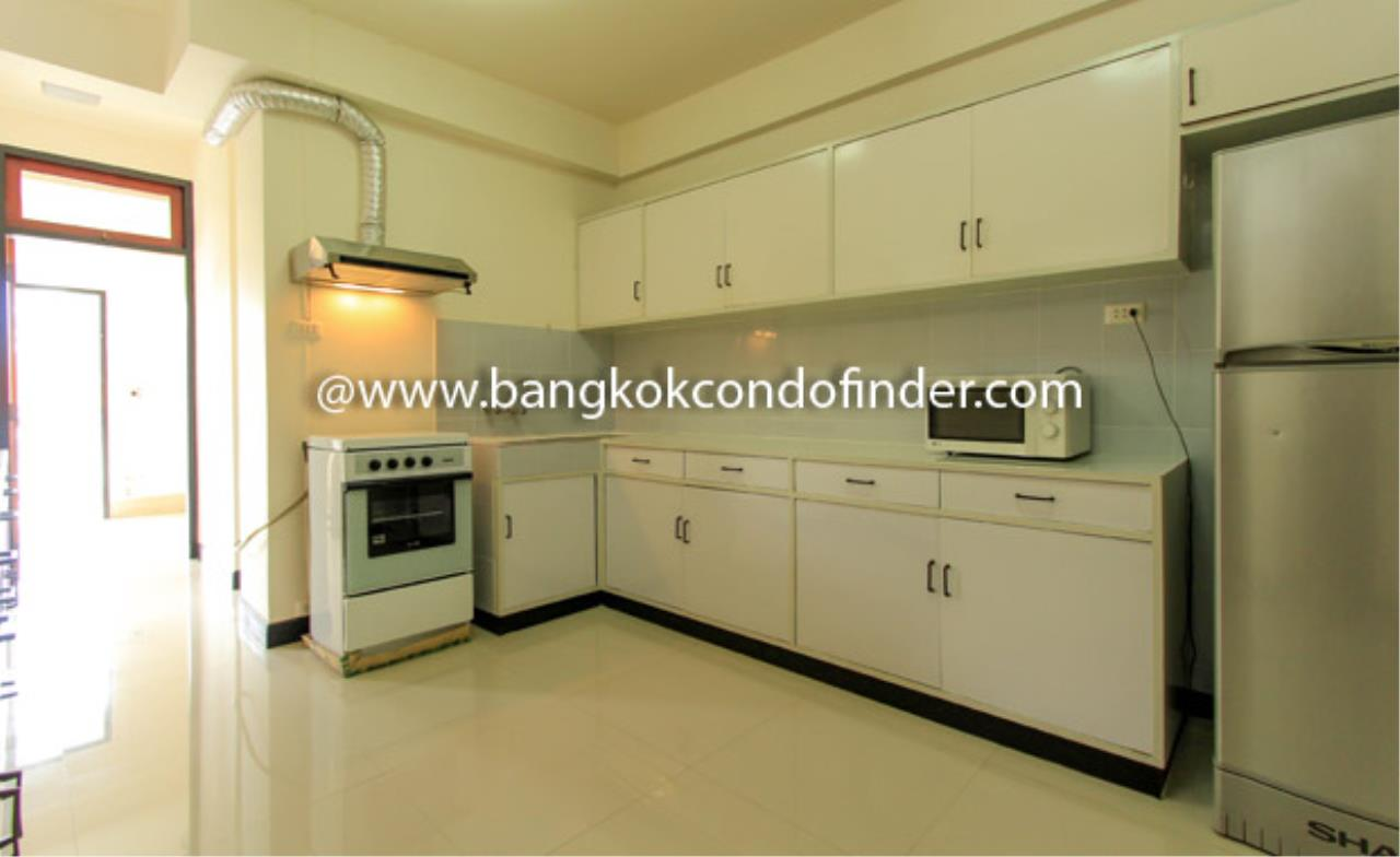 Bangkok Condo Finder Agency's Siva Court Condominium for Rent 4