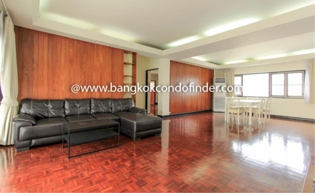 Bangkok Condo Finder Agency's Siva Court Condominium for Rent 1