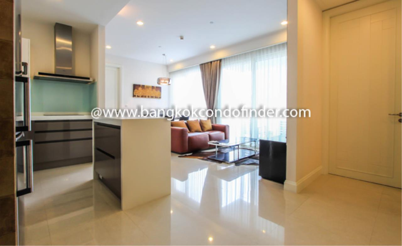 Bangkok Condo Finder Agency's Q Langsuan Condominium for Rent 4