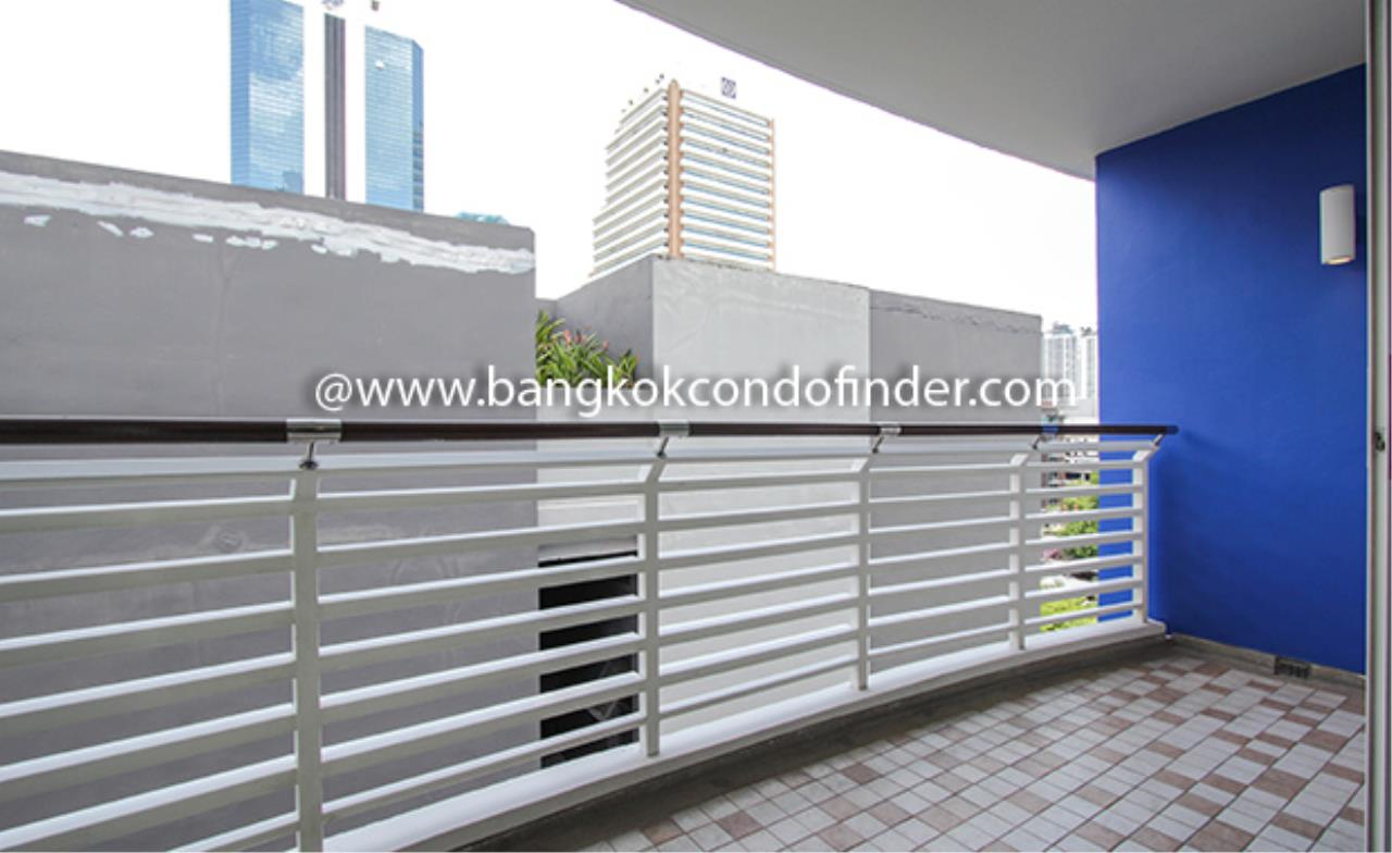 Bangkok Condo Finder Agency's Avenue 61 Condominium for Rent 2
