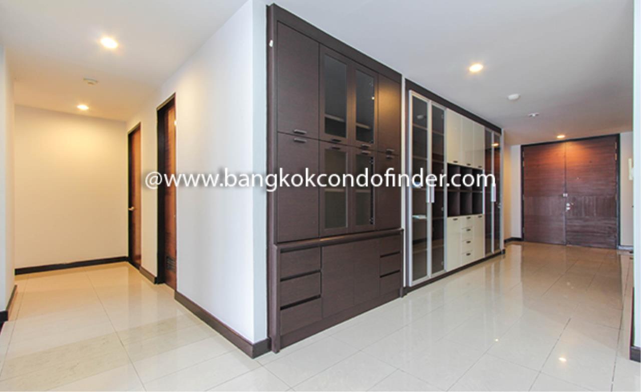 Bangkok Condo Finder Agency's Avenue 61 Condominium for Rent 11
