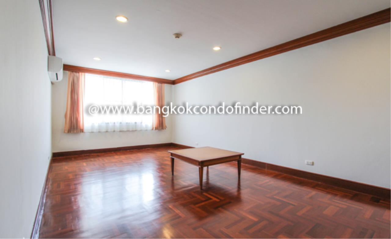 Bangkok Condo Finder Agency's Baan Pakapan Apartment for Rent 13