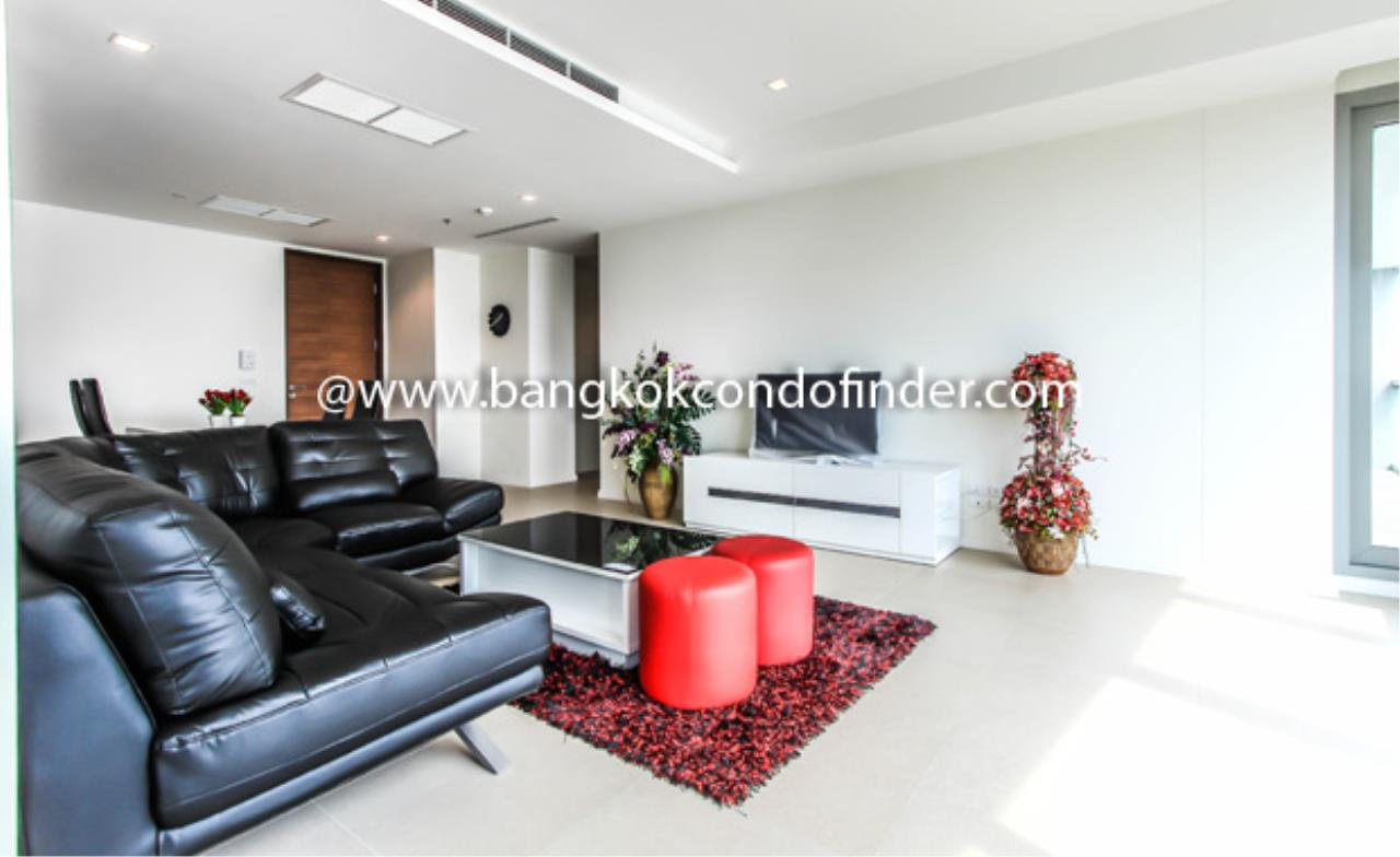 Bangkok Condo Finder Agency's The River Condominium (Sold) Condominium for Rent 1