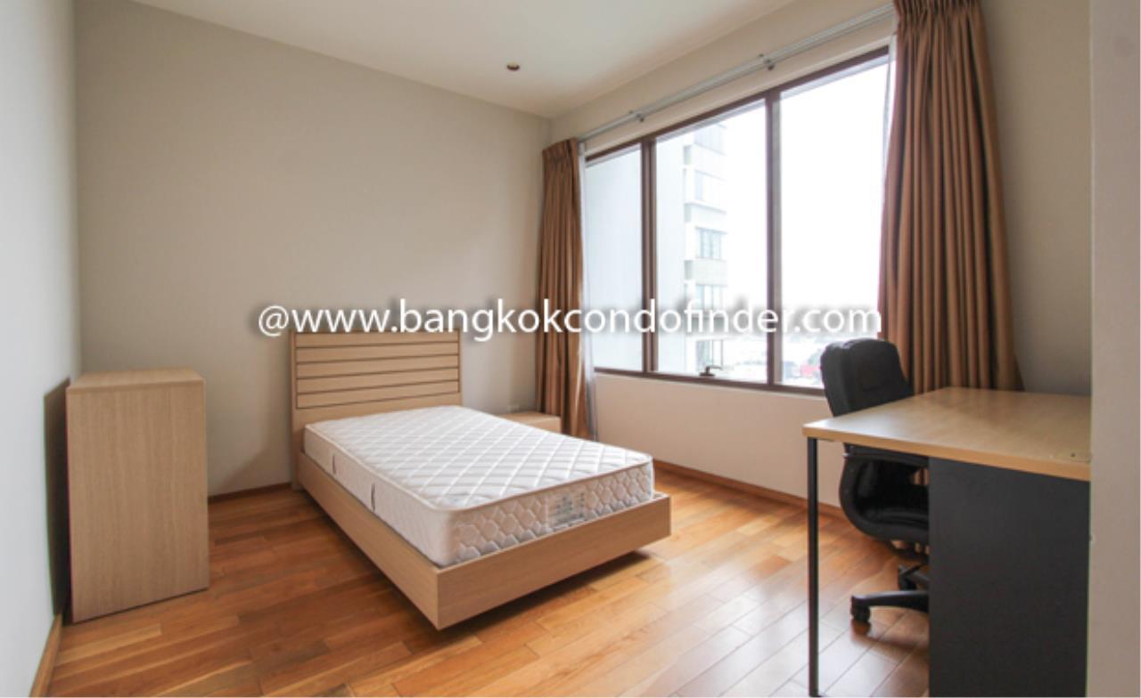 Bangkok Condo Finder Agency's The Emporio Place Sukhumvit 24 Condominium for Rent 5